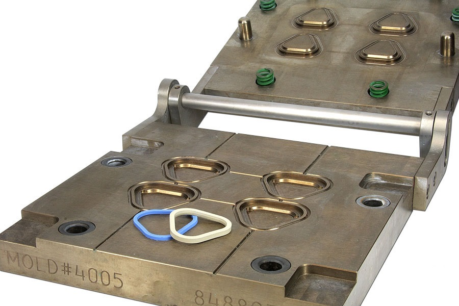Pros and Cons of Rubber Compression Molding